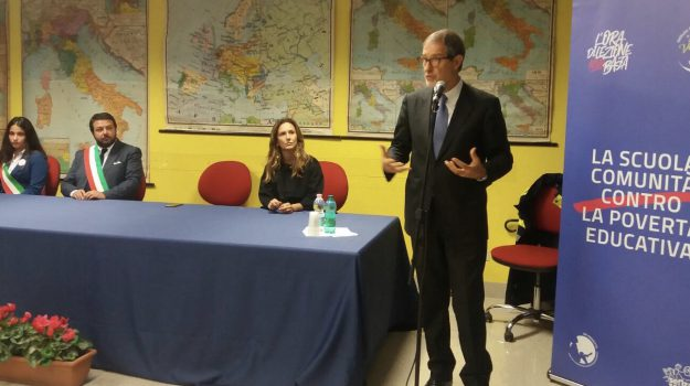 scuole, Nello Musumeci, Catania, Politica