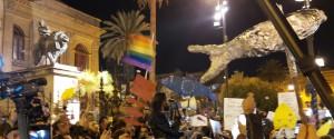 """Il popolo delle """"sardine"""" in piazza a Palermo, manifestanti da tutta la Sicilia"""
