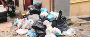 Rifiuti a Caltanissetta, guardie ambientali per vigilare su chi sporca