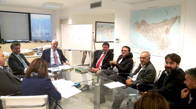 rifiuti, Alberto Pierobon, Sabrina Figuccia, Vincenzo Figuccia, Sicilia, Politica