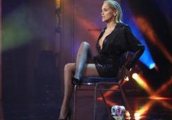 Sharon Stone e la scena  delle gambe: «Non sapevo che quel momento mi avrebbe cambiato la mia vita» L'attrice ripropone la scena di «Basic Instinct» ai GQ Awards dove è stata proclamata donna dell'anno: «Un tempo ero considerata solo un gioco» - Ansa