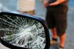 Fingeva danni dalle auto di passaggio, truffa dello specchietto a Caltanissetta