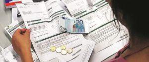 Boom di tasse sotto l'albero del fisco: ecco cosa gli italiani dovranno pagare a Natale