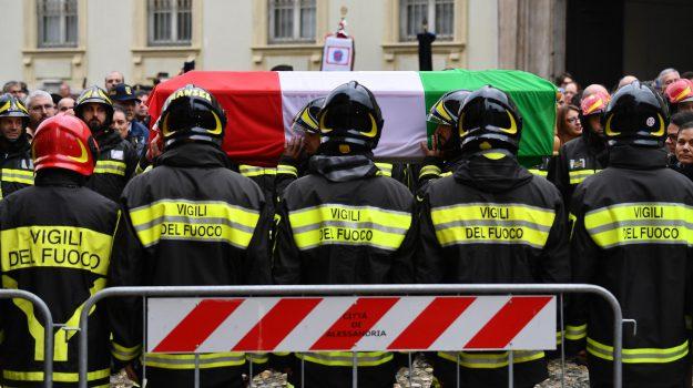 Alessandria, vigili del fuoco, Sicilia, Cronaca