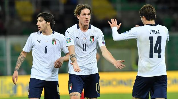 A Palermo festa azzurra, stadio pieno e valanga di gol: 9-1 dell'Italia all'Armenia - Giornale di Sicilia