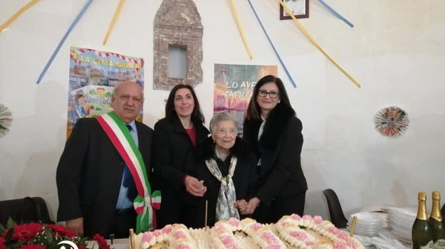 alcara li fusi, compleanno, Concetta Natalone, Messina, Società