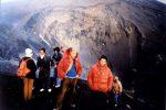 I due fratelli Nicoloso in posa al bordo del cratere centrale