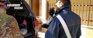 Armi e droga in due aziende agricole, arrestati due fratelli ad Acate