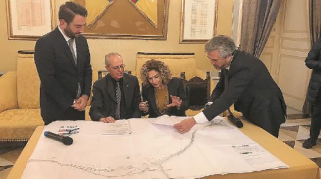 infrastrutture, strade, Caltanissetta, Economia