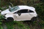 Incidente a Tortorici, 30enne precipita con l'auto nel fiume: è grave