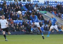 Inghilterra, Toney segna con un pallonetto al volo Ivan Toney, calciatore del Peterborough United, ha realizzato questa prodezza nella partita di FA Cup contro il Dover Athletic - Dalla Rete
