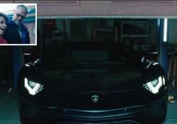 La Lamborghini in 3D diventa una vera Aventador: l'incredibile regalo di Natale Padre e figlio, americani, sono appassionati del marchio italiano. Ecco che cosa succede quando a Sant'Agata Bolognese lo vengono a sapere... - Corriere Tv