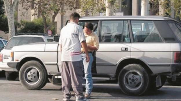 posteggiatori abusivi, reddito di cittadinanza, Catania, Cronaca