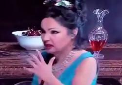 Tosca, l'errore di Netrebko e Salsi e la classe nel recuperare In totale 15 secondi che diventano subito virali sui social. - Corriere Tv
