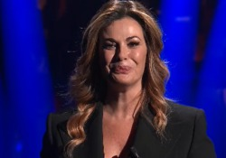 Vanessa Incontrada, lacrime in tv dopo le critiche sul peso: «La perfezione non esiste» La conduttrice in un monologo contro il body shaming - Corriere Tv