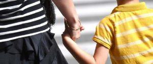 """Passeggiate genitori-figli, scontro tra Viminale e Regioni sulla circolare: si allarga il fronte del """"No"""""""