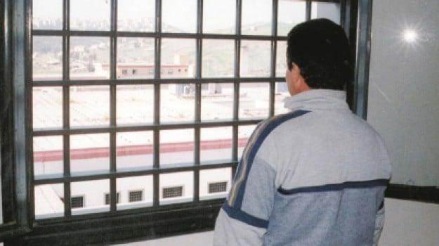 aggressioni, carcere, Agrigento, Cronaca
