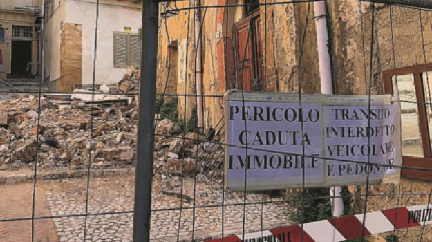 CROLLI, Sciacca, Agrigento, Cronaca