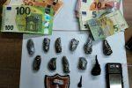 Giarre, droga e denaro nascosti nell'auto ed in casa: pusher in manette