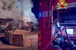 """Incendi e feriti a Catania per i """"botti"""" di Capodanno, 20enne perde una mano"""