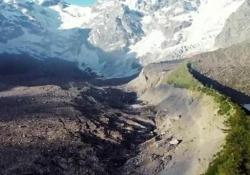 La storia: a piedi da casa a ciò che resta del ghiacciaio per salvare il mondo Combattere contro il cambiamento climatico: la storia dei ragazzi che andranno a Davos per protestare in un documentario di Luca Fontana - CorriereTV