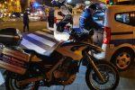 Ambulanti e rifiuti abbandonati a Messina, blitz della polizia municipale
