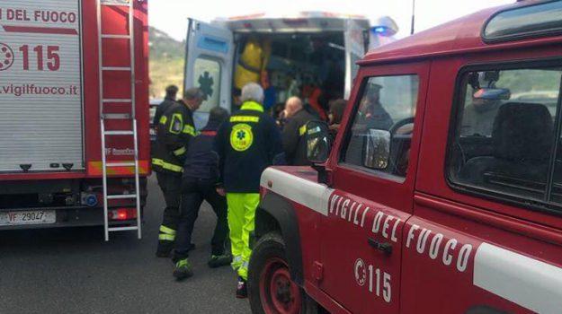 Catanese tenta il suicidio lanciandosi nel vuoto, lo salvano i turisti