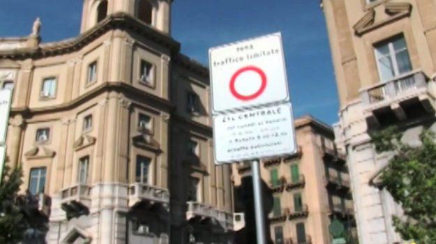 ztl, Giusto Catania, Leoluca Orlando, Palermo, Cronaca
