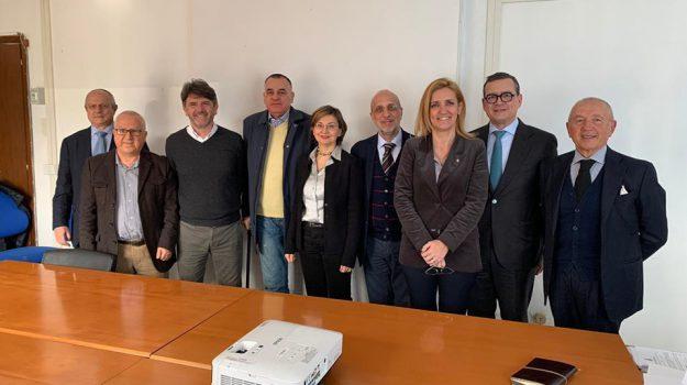 commercio, Messina, Economia