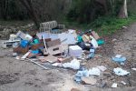 """Noto, rifiuti abbandonati: """"Chi sporca, paga. Dalla segnalazione al ripristino"""""""