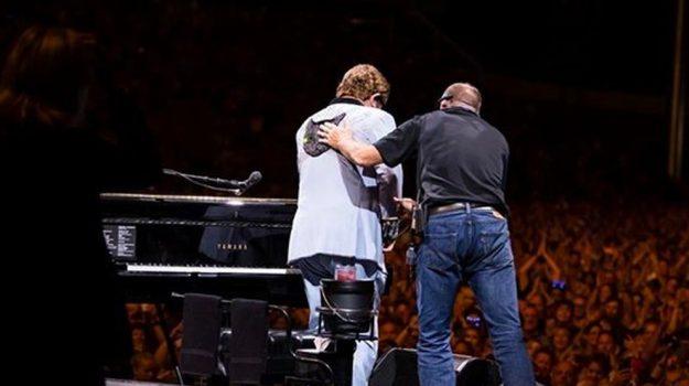 Elton John, musica, Sicilia, Mondo