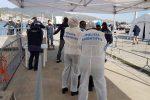 Fermato un presunto scafista sbarcato con la Aita Mari a Messina, denunciato un 14enne