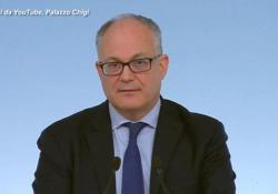 Coronavirus, Gualtieri: «In dl stop a ritenute e contributi per gli alberghi» Il ministro dell'Economia in conferenza stampa prima del Cdm - Ansa