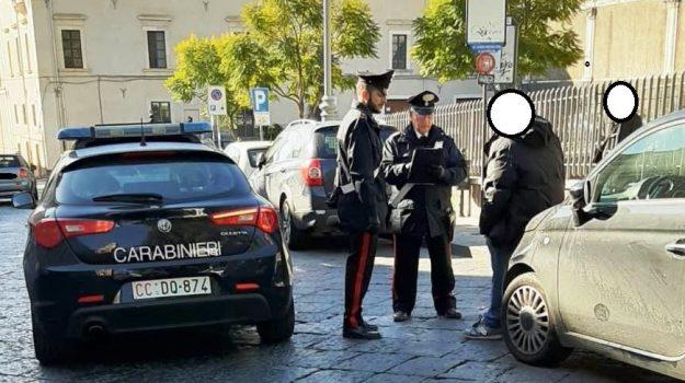 estorsione, parcheggiatore abusivo, Catania, Cronaca