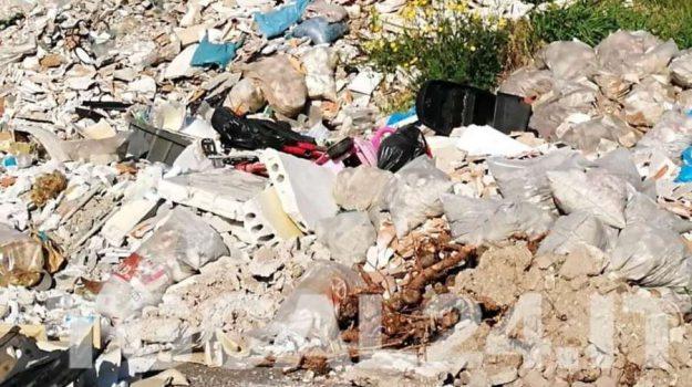 rifiuti, Sicilia, Economia