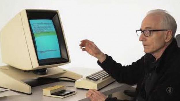 informatica, Lutto, Larry Tesler, Sicilia, Mondo