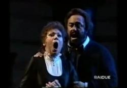 Mirella Freni con Luciano Pavarotti  nella «Bohème» di Puccini La grande cantante lirica è morta a 84 anni - Corriere Tv