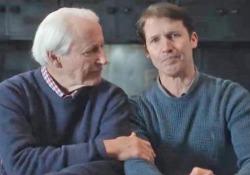 «Monsters», l'ultimo commovente videoclip di James Blunt dedicato al padre malato L'uomo è affetto da un tumore ai reni al quarto stadio. Il figlio cantautore appare nel video al suo fianco, commosso fino alle lacrime - Corriere Tv