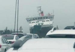 Tempesta Dennis da brivido per questo traghetto in Scozia La tempesta Dennis ha causato inondazioni e danni nel Regno Unito - CorriereTV