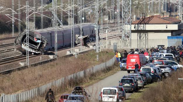 Incidenti, treno, Sicilia, Cronaca