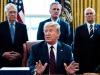 """Trump insiste: """"Usare farmaco contro la malaria"""" per curare il coronavirus"""