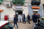 Messina: entra in una tabaccheria, spara ad una donna e si suicida