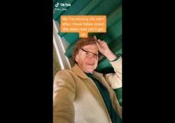 Anziani star dei social: il video da oltre 11 milioni di clic di J-Dog    - Corriere Tv