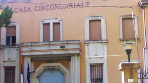 evasione, Enna, Cronaca