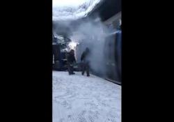 Coronavirus: così disinfettano le cabinovie in Val Gardena Il video condiviso migliaia di volte sui social - CorriereTV