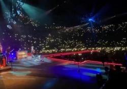 Coronavirus, in migliaia affollano il concerto degli Stereophonics a Cardiff    - Corriere Tv