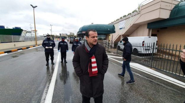 stretto di messina, Cateno De Luca, Messina, Politica
