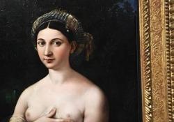 Parte la grande mostra di Raffaello che sfida la paura del virus Il percorso espositivo parte dal periodo romano risalendo a ritroso la straordinaria carriera del pittore urbinate - CorriereTV