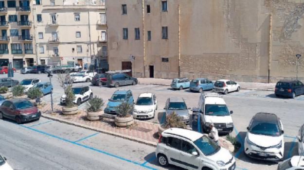 parcheggi, Trapani, Economia