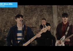 The Minis e «Senza Paura», anteprima del nuovo singolo La band di under 18 pubblica il terzo singolo, la title track del loro album di esordio. - CorriereTV